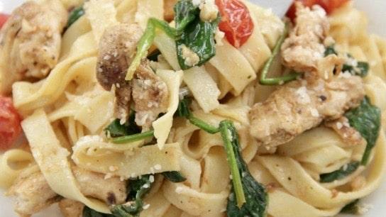 Ensalada Florentina con Pollo marinado